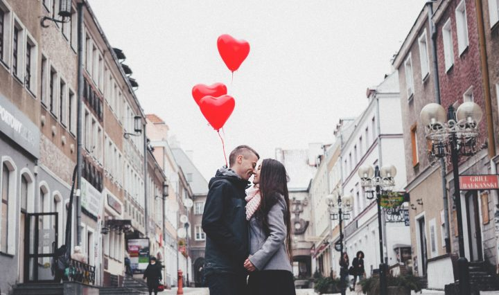 TIPS TO FIND A DATE FOR VALENTINE'S DAY
