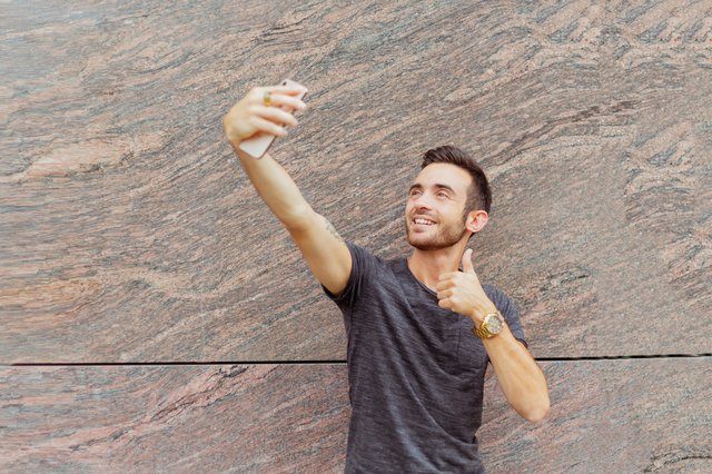Stay Natural And Take Selfies, how to take good selfie for instagram