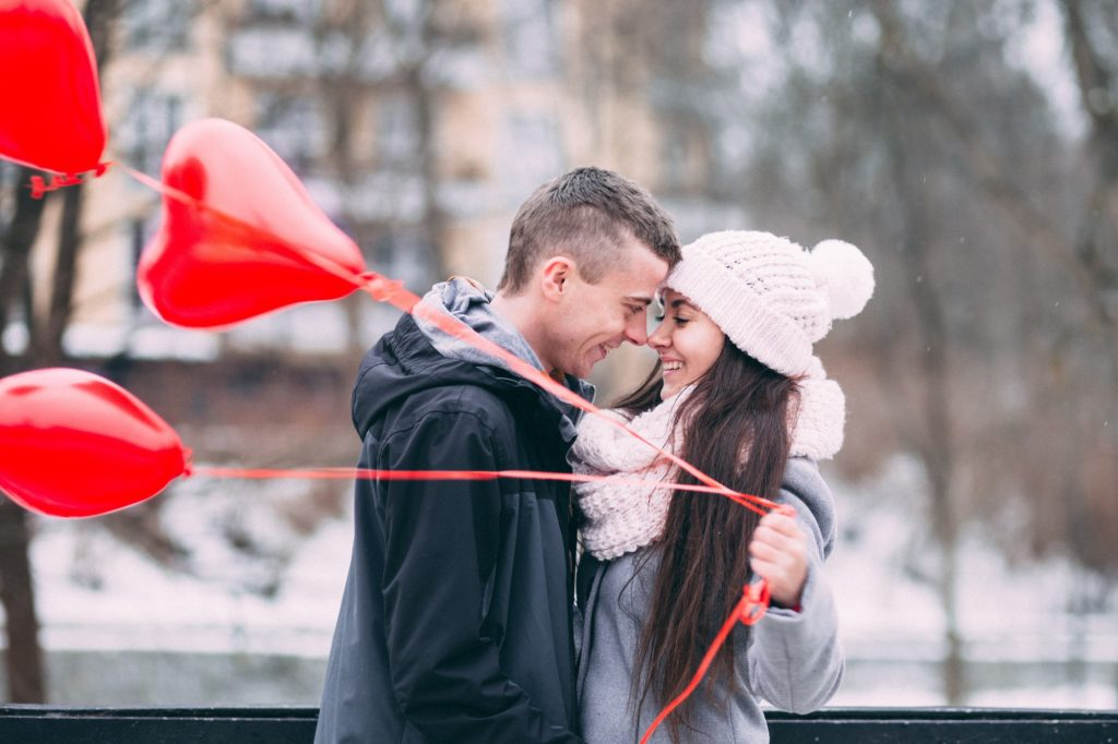 Cozy Up With These 12 Cute Winter Date Ideas