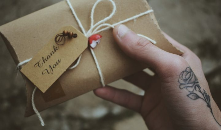 4 Reasons To Write Thank You Cards