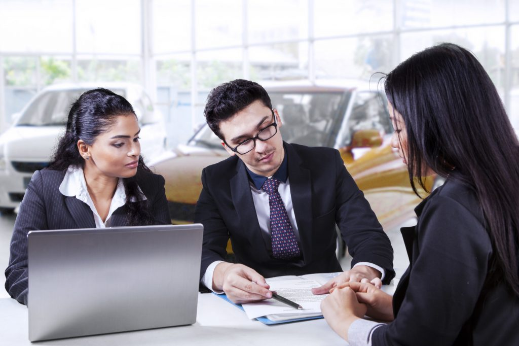 8 Things to Consider When Choosing a Car Loan Provider
