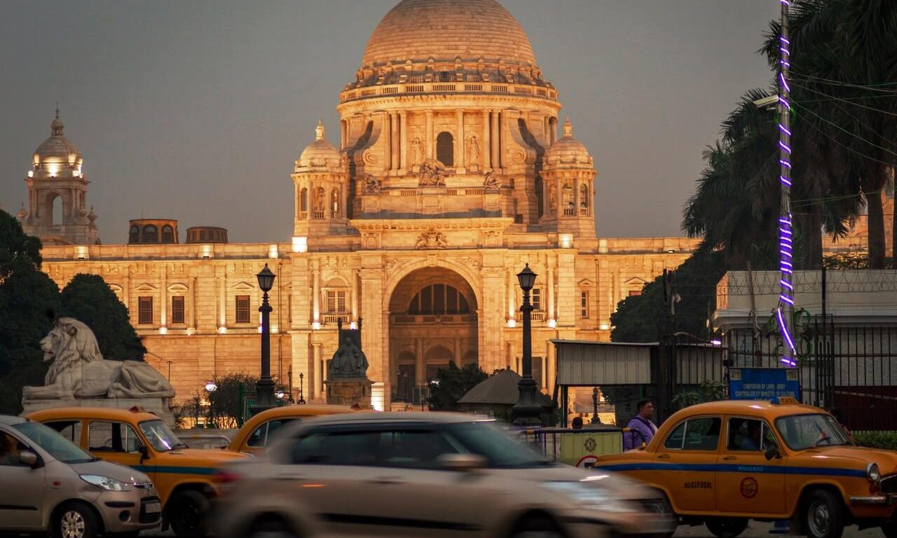 Visit Kolkata To Try Some Mouth Watering Foods